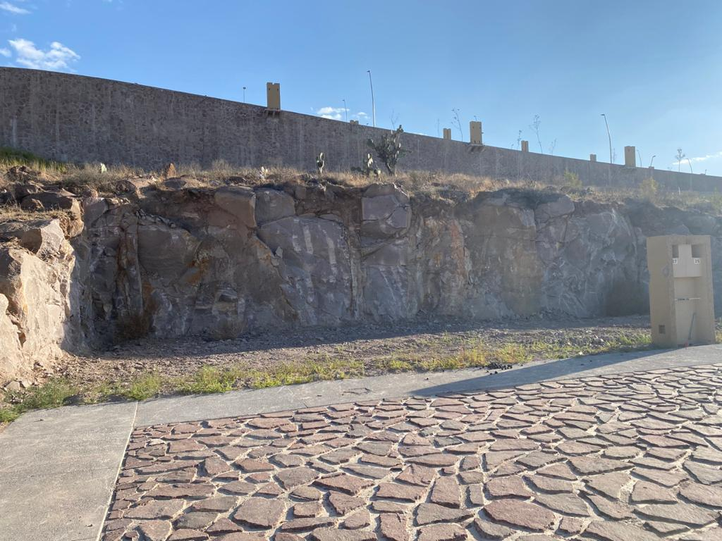 Foto Terreno en Venta en  Desarrollo del Pedregal,  San Luis Potosí  PEDREGAL LA HERRADURA SAN LUIS POTOSI