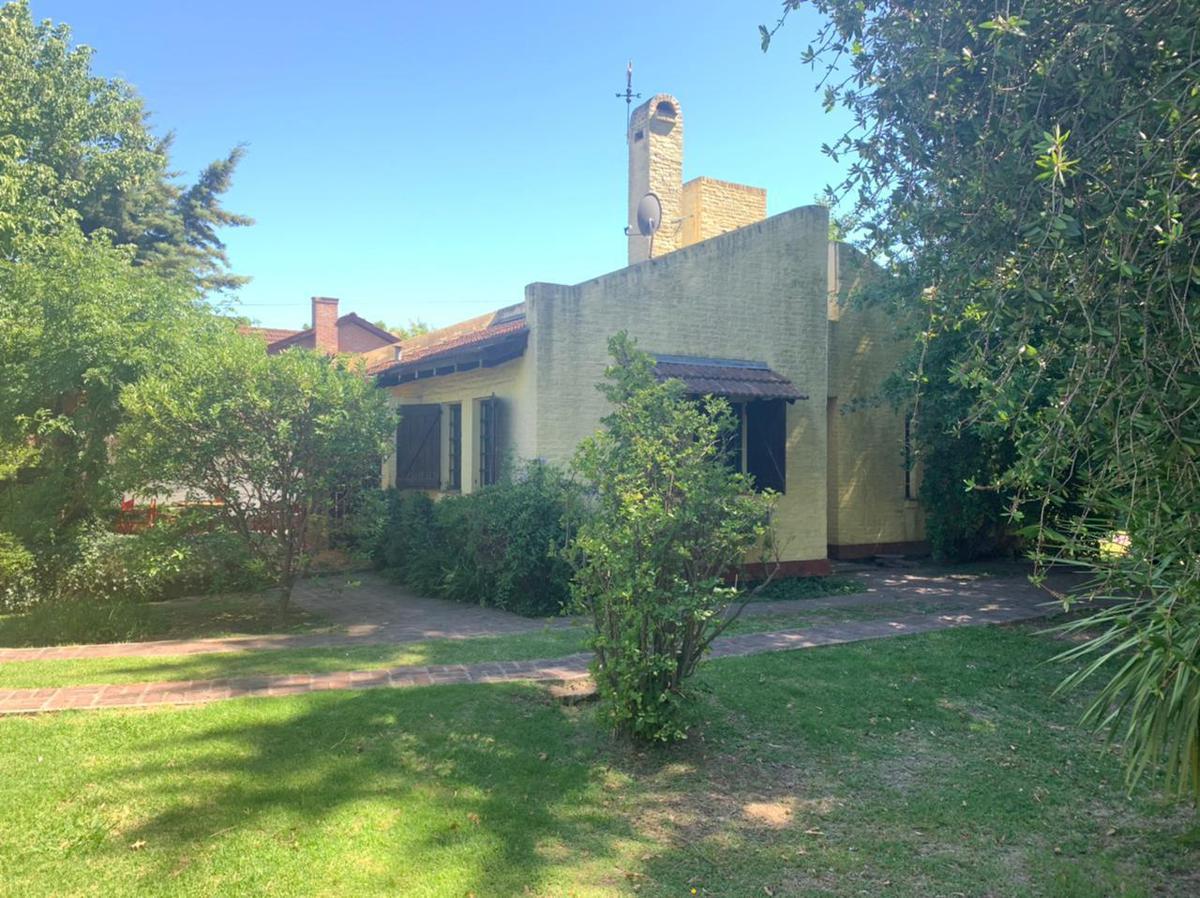 Foto Casa en Venta    en  Champagnat,  Countries/B.Cerrado (Pilar)  Calle Champagnat y Panamericana