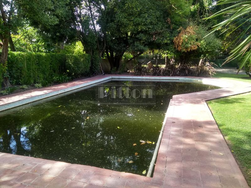 Foto Quinta en Venta en  B.Corimayo,  Burzaco  Parravicini 365