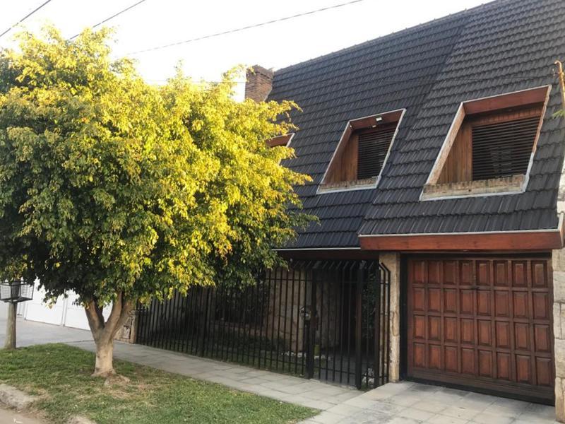 Foto Casa en Venta en  Moron Sur,  Moron  Boqueron al 1000