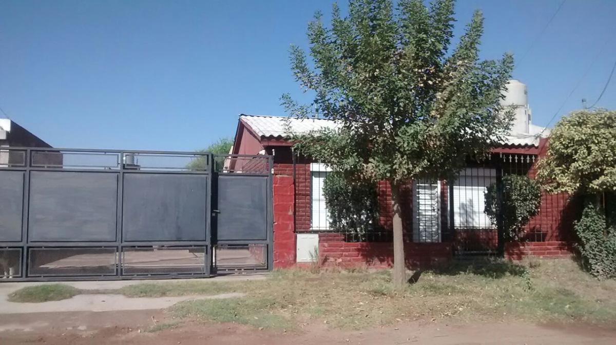Foto Casa en Venta en  Santa Rosa,  Capital  Acuña al 1700