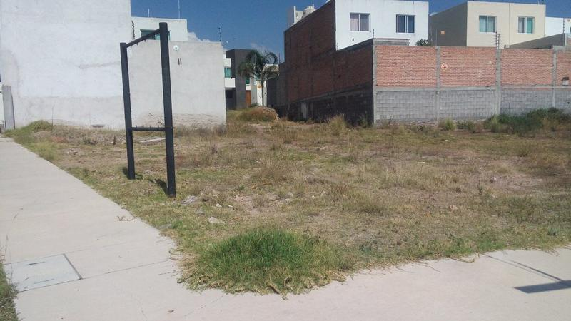 Foto Terreno en Renta en  Villa Magna,  San Luis Potosí  TERRENO EN ESQUINA EN RENTA , VILLAMAGNA SAN LUIS POTOSI