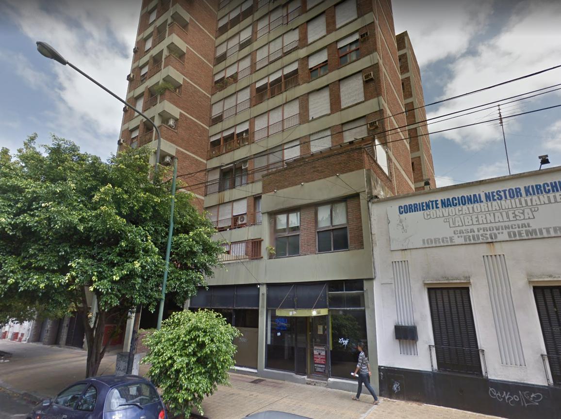 Foto Cochera en Alquiler en  La Plata,  La Plata  51 entre 16 y 17