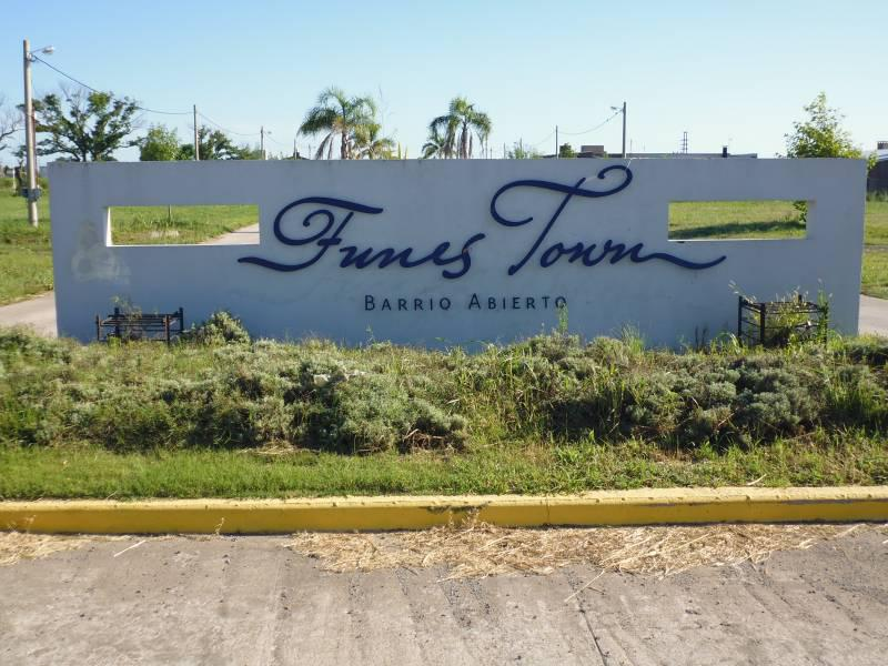 Foto Terreno en Venta en  Funes ,  Santa Fe  Funes Town
