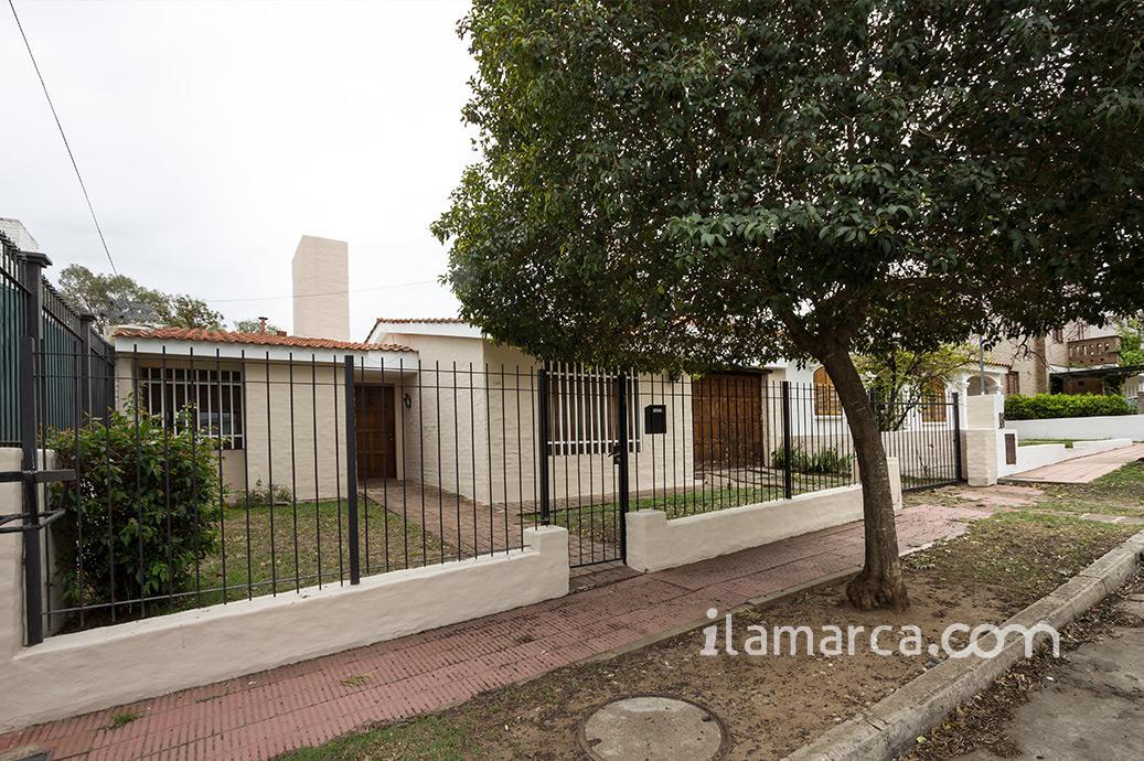 Foto Casa en Alquiler en  Urca,  Cordoba  julio borda al 1100