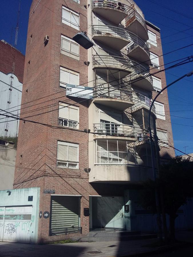 Foto Departamento en Alquiler en  Lanús Este,  Lanús  Basavilbaso Nº al 2200