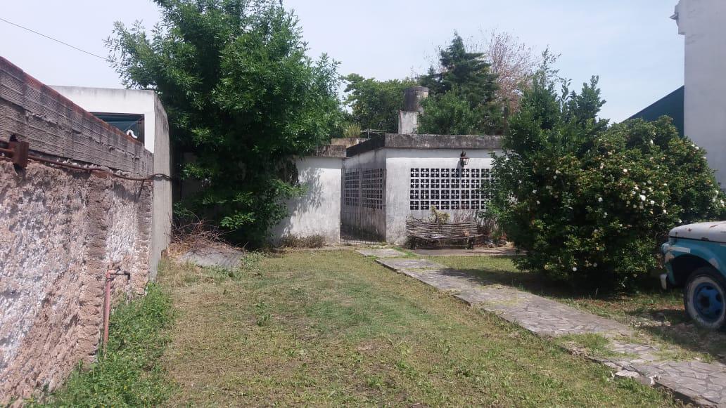 Foto Casa en Venta en  Ituzaingó ,  G.B.A. Zona Oeste  Galicia al 1100