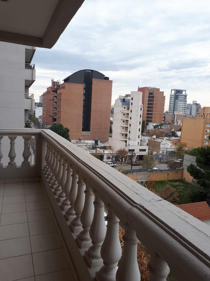 Foto Departamento en Venta en  Capital ,  Neuquen  Tucuman al 400
