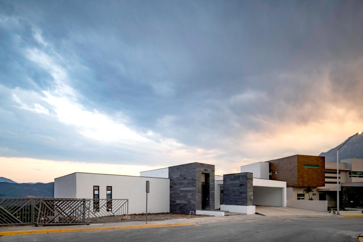 Foto Casa en Venta en  Sierra Alta 9o Sector,  Monterrey  Sierra Alta 9no Sector