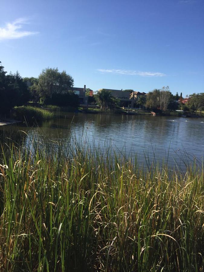 Foto Terreno en Venta en  San Isidro Labrador,  Villanueva  Lote en Venta a la Laguna Grande, barrio San Isidro Labrador, Villanueva