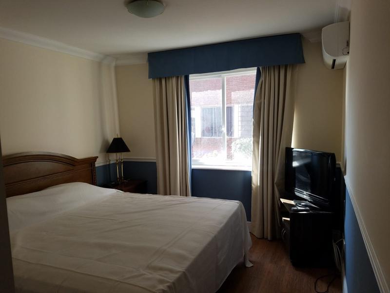 Foto Departamento en Venta en  Carrasco ,  Montevideo  Gran oportunidad! apartamento en  centro de Carrasco , con renta, 1 dormitorio