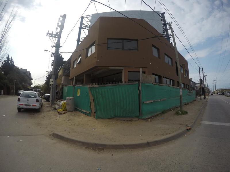 Foto Local en Alquiler |  en  Ingeniero Maschwitz,  Escobar  Colectora Este esquina Patricios P.A 4