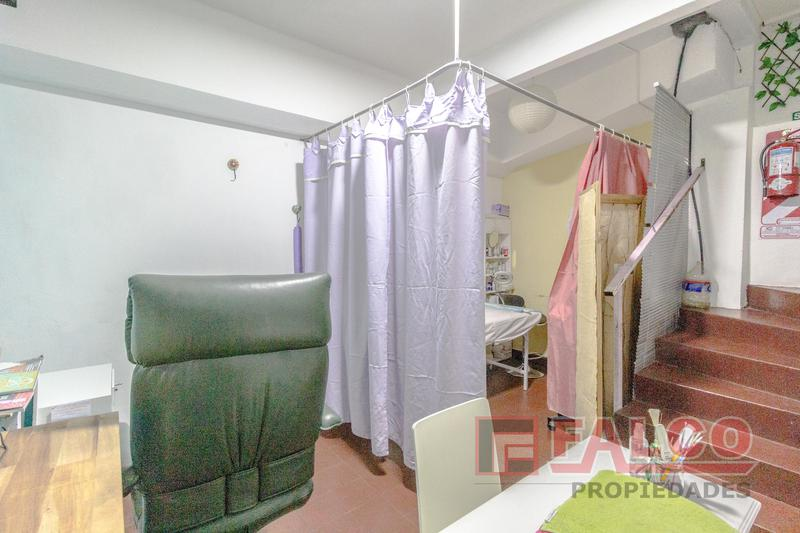 Foto Local en Venta en  Flores ,  Capital Federal  Rivadavia al 6400