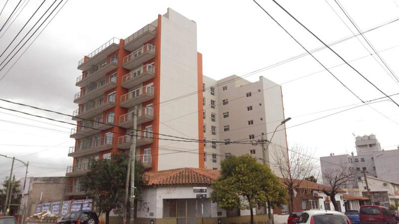 Foto Departamento en Venta en  Moron Sur,  Moron  San Martin al 500