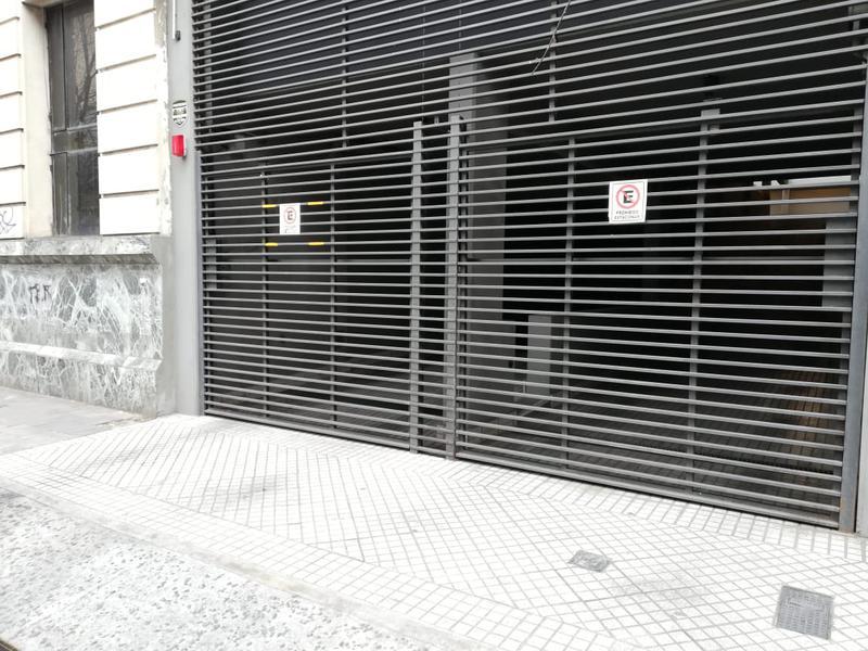 Foto Cochera en Venta en  Rosario,  Rosario  Sarmiento 1312