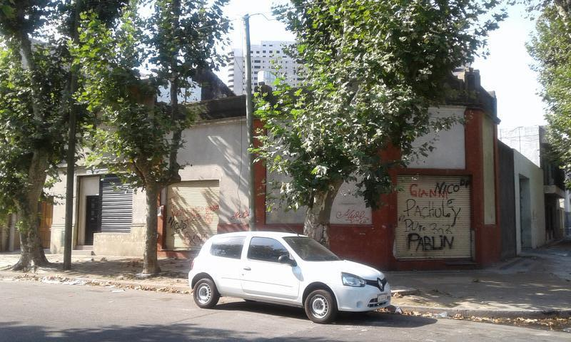 Foto Local en Venta en  Piñeyro,  Avellaneda  España al 800