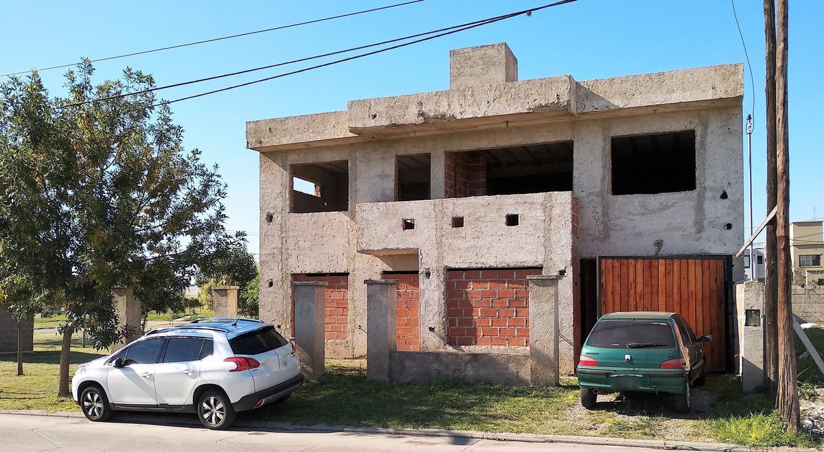 Foto Casa en Venta en  Nuevo URCA,  Countries/B.Cerrado  Soldado Ramón A. Cabrera