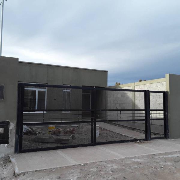 Foto Casa en Venta en  Centenario,  Confluencia  Barrio Perticone al 100