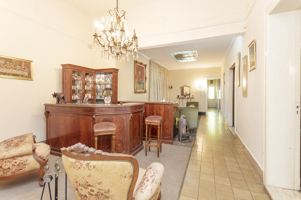 Foto Casa en Venta en  Avellaneda,  Avellaneda  MARIO BRAVO 1200