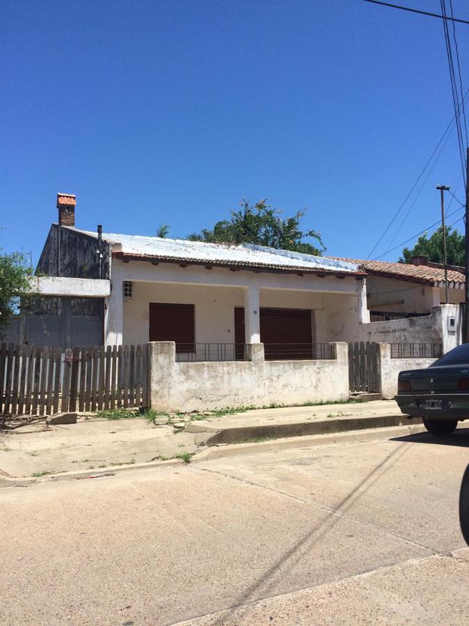 Foto Casa en Venta en  Concordia,  Concordia  Alberdi al 400