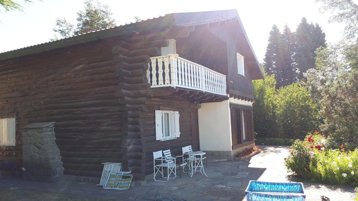 Foto Casa en Venta en  Melipal,  San Carlos De Bariloche  Tronador al 3500