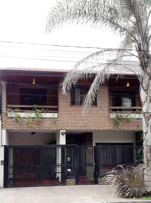 Foto Casa en Venta    en  Castelar,  Moron  Quintana al 300