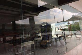 Foto Local en Renta en  Lomas de Valle Alto,  Monterrey  Local con Excelente ubicación en plaza Valle Alto 2000 (CS)