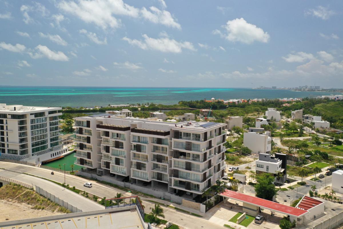 Foto Departamento en Venta en  Puerto Cancún,  Cancún  PUERTO CANCUN Y RIVA, DESARROLLO DE LUJO.  DEPARTAMENTO DE 3 RECAMARAS  Cancún, Quintana Roo