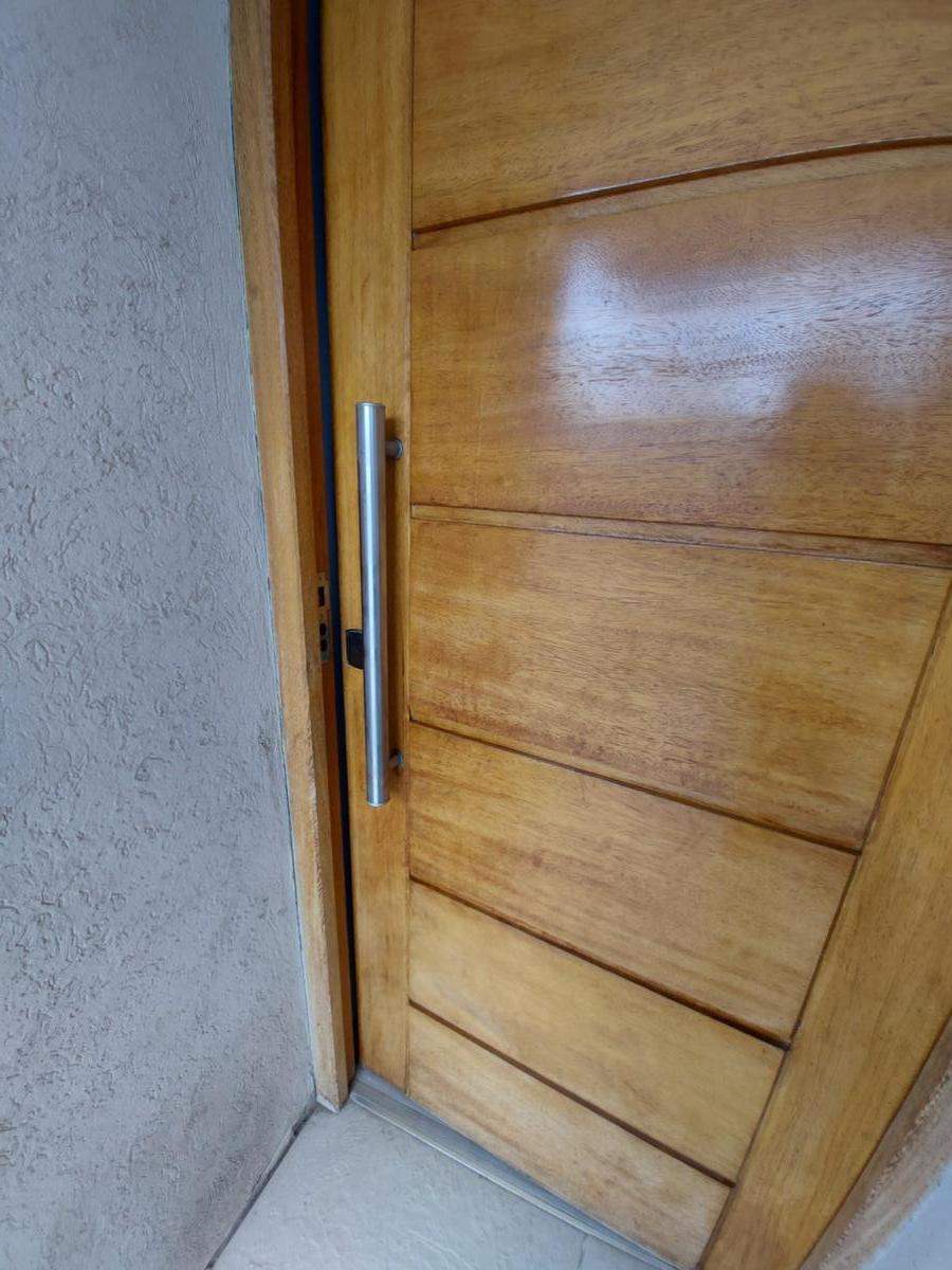 Foto Casa en Venta en  Manuel B Gonnet,  La Plata  507 E 132 y 132bis (Barrio Don Carlos)