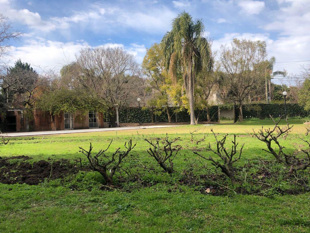 Foto Terreno en Venta en  Las Lomas-San Isidro,  Las Lomas de San Isidro  Alsina al 2200