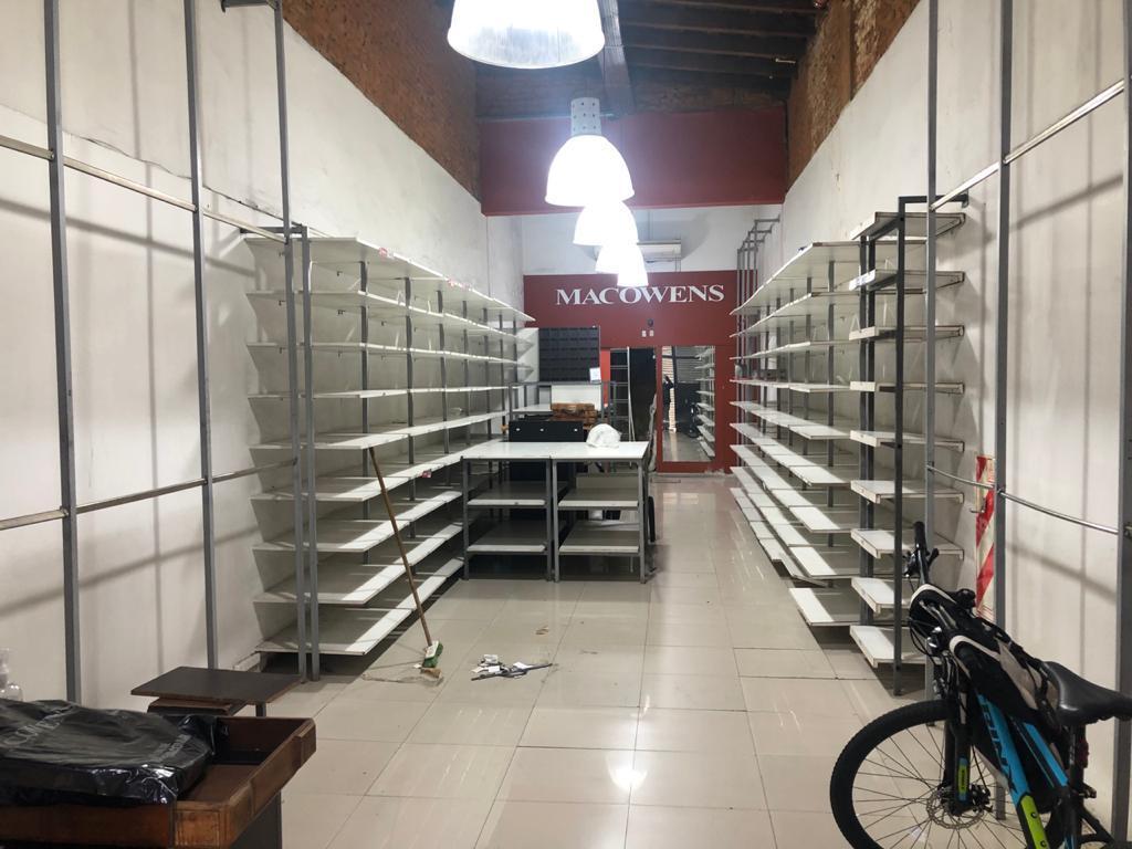 Foto Local en Alquiler en  Caballito ,  Capital Federal  Rivadavia al 5300