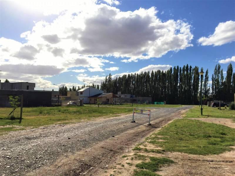 Foto Terreno en Venta en  Capital ,  Neuquen  PERGAMINO & PUNTA DE INDIO al 1000 – Valentina Norte Rural
