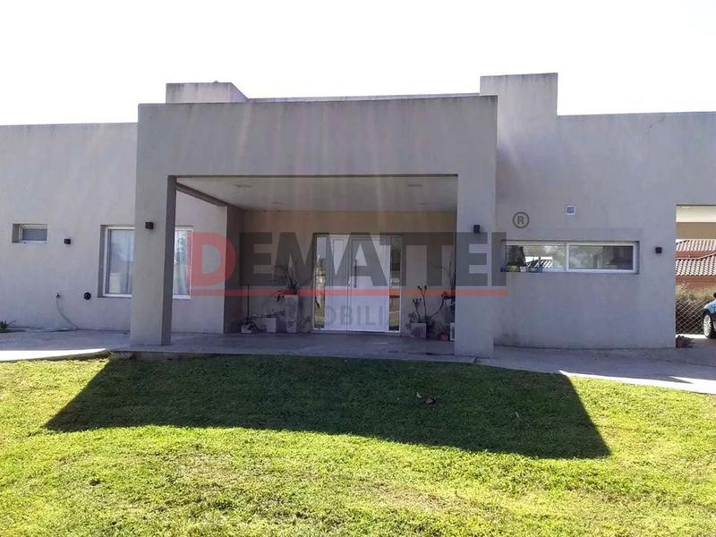Foto Casa en Venta en  Comarcas de Luján,  Countries/B.Cerrado (Lujan)  Berschedt 50