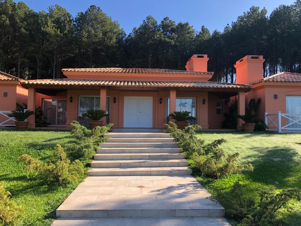 Foto Casa en Venta en  Lapataia,  Maldonado  Lapataia