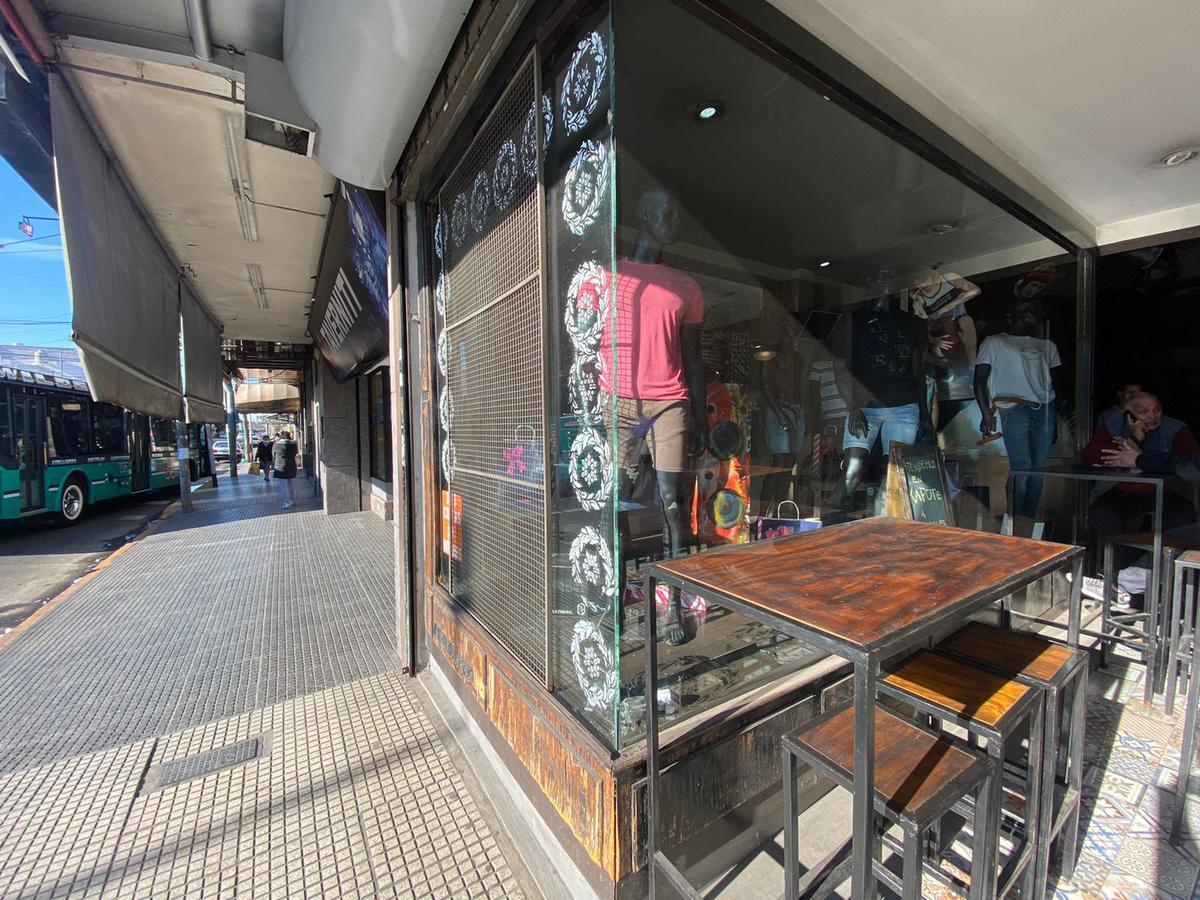 Foto Local en Alquiler en  Wilde,  Avellaneda  ONSARI al 2200