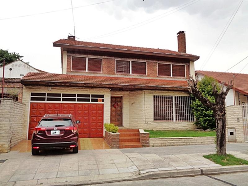 Foto Casa en Venta en  V.Ade.-P.Cisneros,  Villa Adelina  Yerbal al 1400