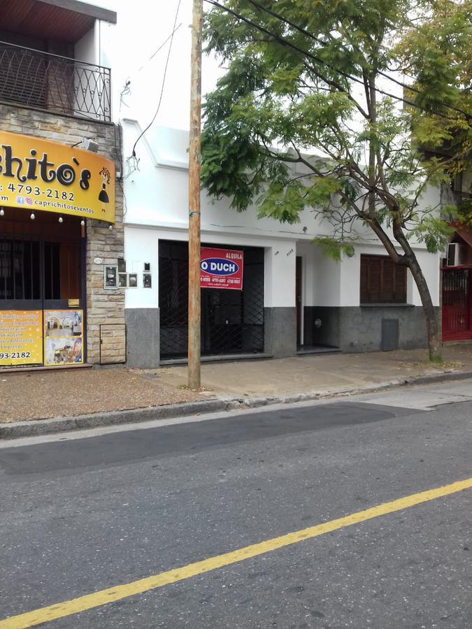 Foto Local en Alquiler en  Martinez,  San Isidro  Hipólito Yrigoyen al 1100