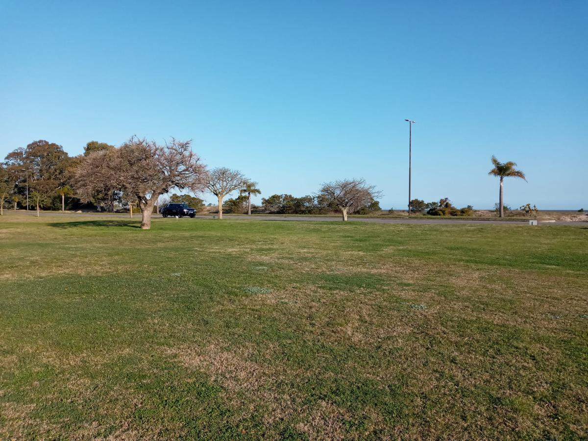 Foto Terreno en Venta en  Colonia del Sacramento ,  Colonia  Real de San Carlos Village Golf -  LOTE 52- Barrio Playa
