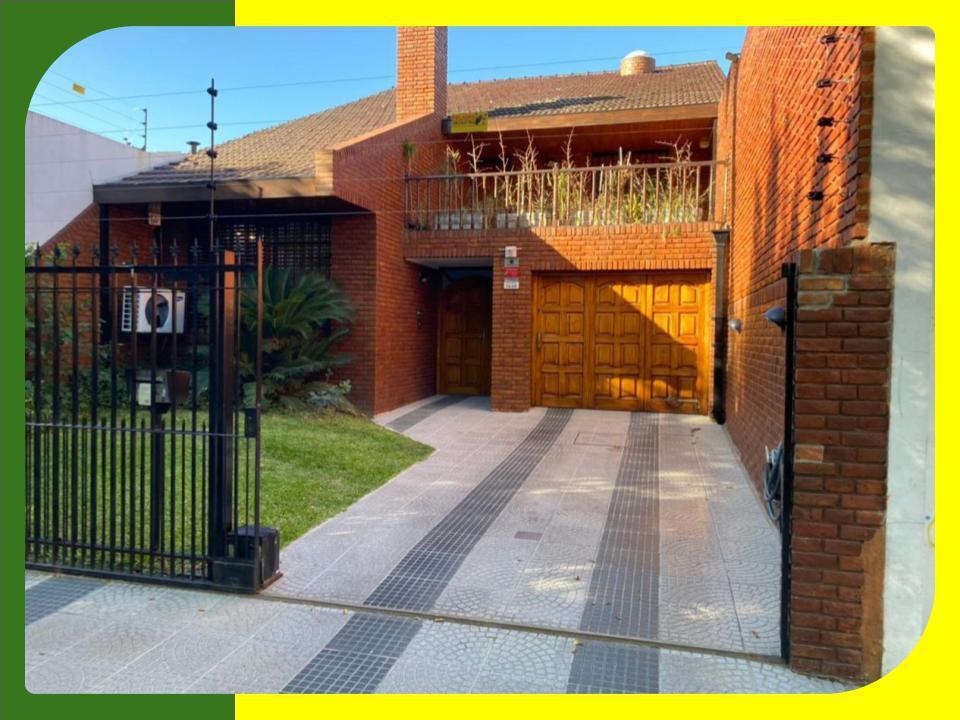 Foto Casa en Venta en  San Miguel,  San Miguel  Serrano al 1400