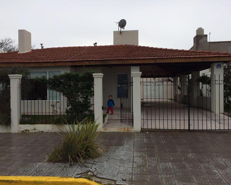 Foto Casa en Venta en  Balneario Las Grutas,  San Antonio  Casa, Av. Breciano 500