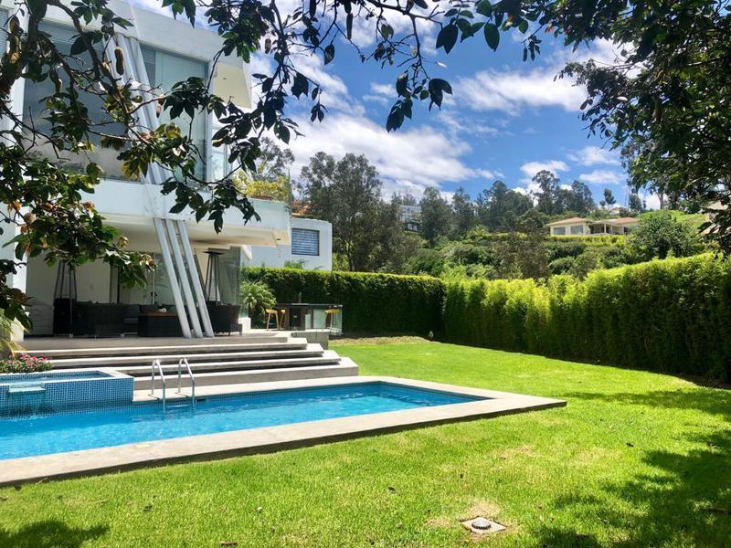 Foto Casa en Venta en  Cumbayá,  Quito  Tanda