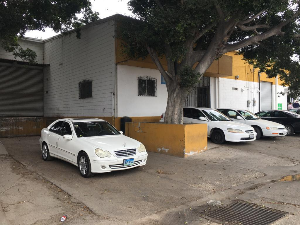 Foto Nave Industrial en Renta en  Tijuana ,  Baja California Norte  RENTAMOS MUY BUENA BODEGA 700M2 O 7,537 PIES2 EN LA MESA, CERCA DE 5 Y 10