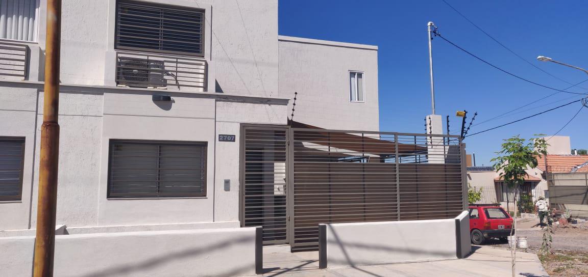 Foto Departamento en Alquiler en  Capital ,  Mendoza  Dr. Leloir esquina Carrillo