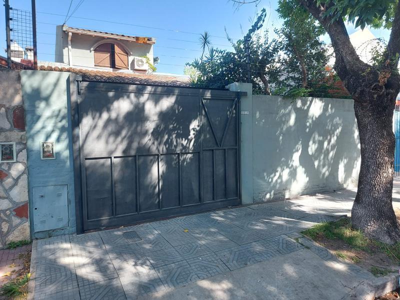 Foto Casa en Venta en  San Fernando,  San Fernando  Junin al 2200