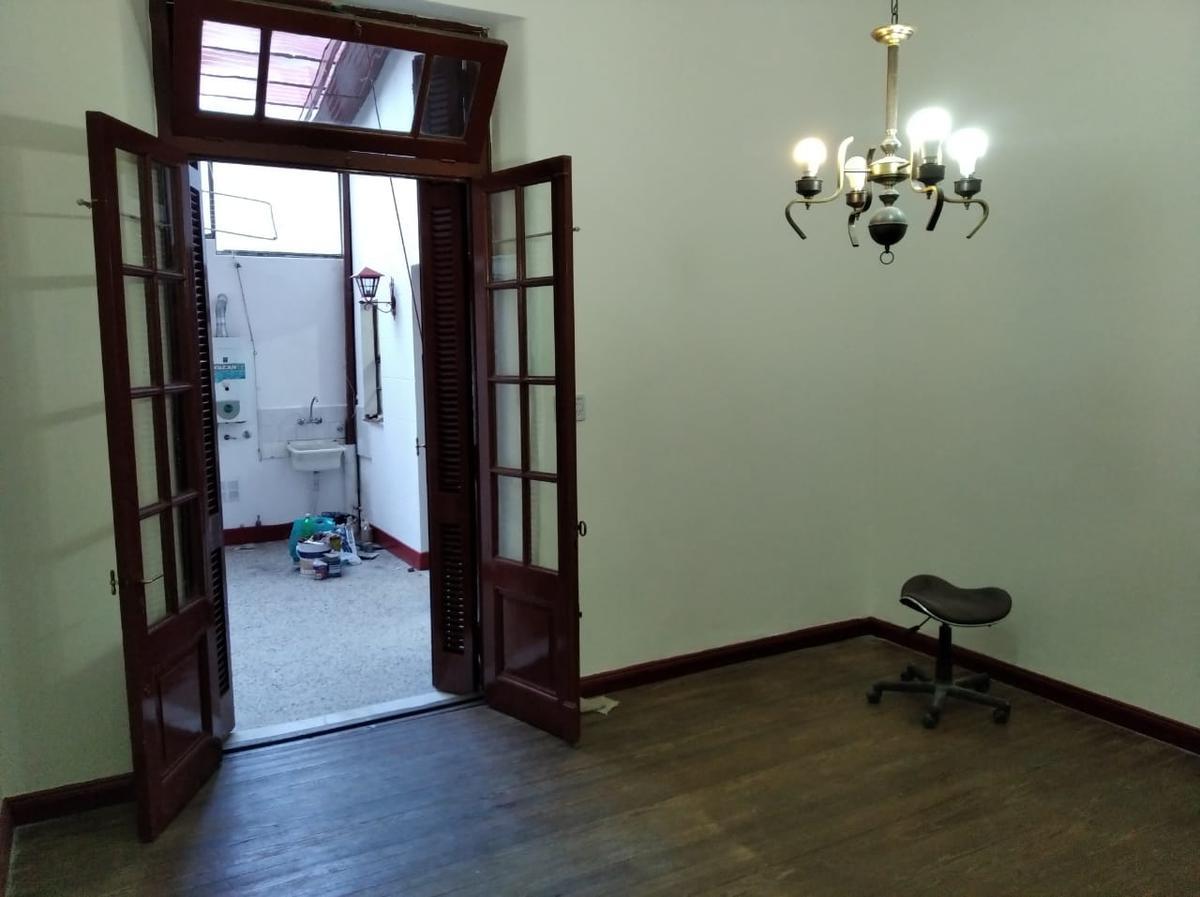 Foto Departamento en Alquiler en  Monserrat,  Centro (Capital Federal)  Humberto 1º al 1200