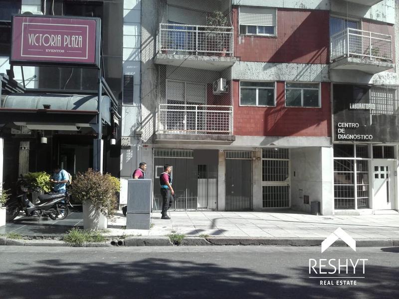 Foto Local en Venta en  Villa del Parque ,  Capital Federal  AV. ALVAREZ JONTE al 2900