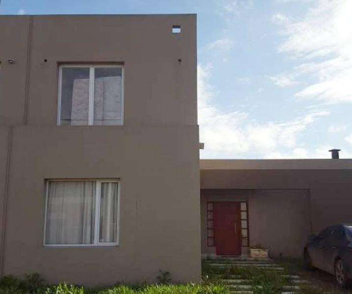 Foto Casa en Venta en  Loma Verde,  Escobar  Casa Los Fresnos  al 600