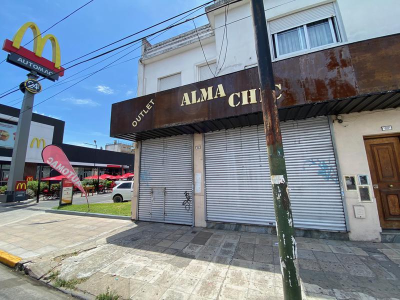 Foto Local en Alquiler en  Lomas de Zamora Oeste,  Lomas De Zamora  Av. Hipolito Yrigoyen 8266
