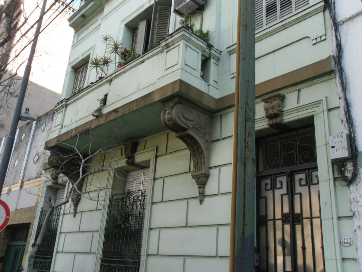 Foto Departamento en Venta en  Constitución ,  Capital Federal  SOLIS al 1400