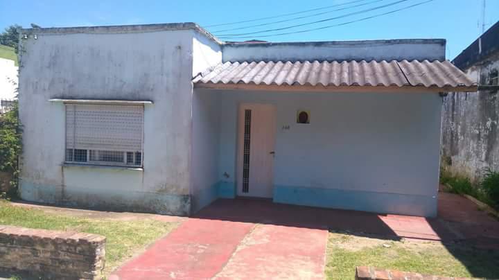 Foto Casa en Venta en  Coronel Brandsen,  Coronel Brandsen  Segade e/ Las Heras y Alberti